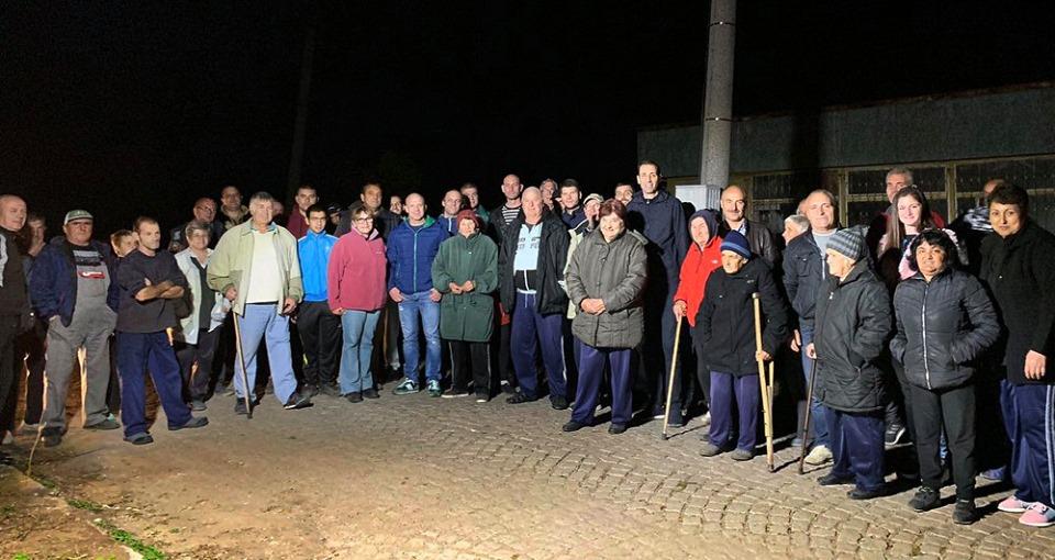 Обещаха и продължават! Да са близо до съгражданите си, да ги чуват, да разговарят с тях. Вчера кандидатът за кмет Валентин Ревански и екипът му проведоха...