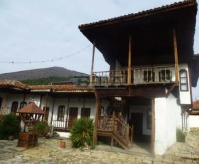 Виртуален урок с българчета в Америка организира сливенският музей в Деня на будителите