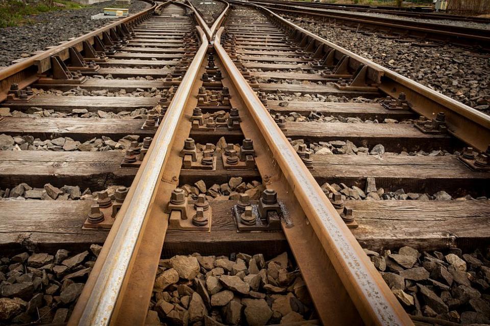 Инцидент между влак и стадо животни е станал на 31 май в района на град Кермен. Сигналът за инцидента е получен в РУ-Сливен в 17,06 часа от тел.112. Към...
