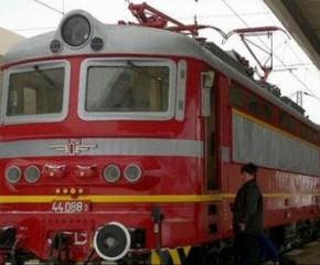 Влаковете в страната ще се движат без промяна в разписанието