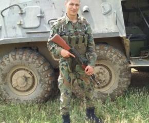 Военнослужещ, хванал кръста на Йордановден в дмитровградско село, дари наградата си на болно дете