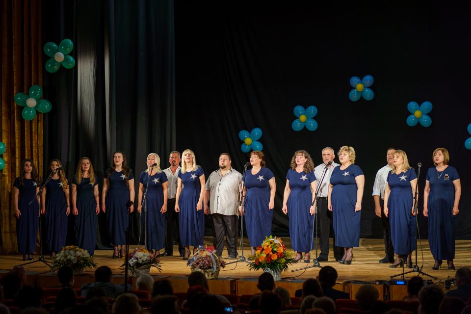 """Празничните събития от програмата, посветена на Деня на Ямбол, продължават! Вокална група за руски песни """"Пятница 13"""" при Народно читалище """"Зора-1945""""..."""