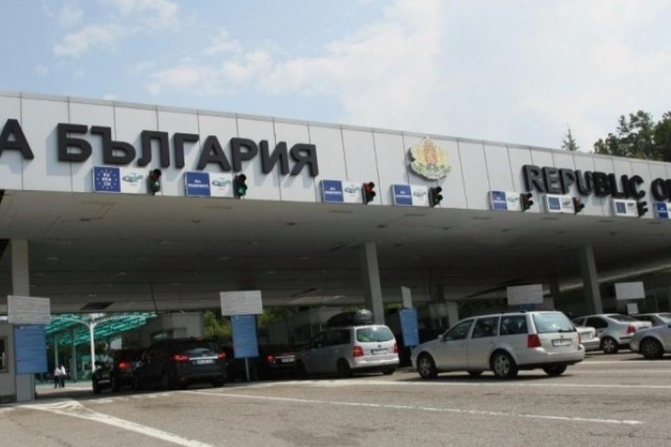 """Днес на ГКПП """"Калотина"""" служители на отдел """"Пътна полиция"""" и на """"Гранична полиция"""" ще представят надградената на пункта система за административно-наказателна..."""