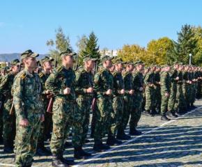 """Връчват първите офицерски пагони на 142-випуск от НВУ """"Васил Левски"""""""