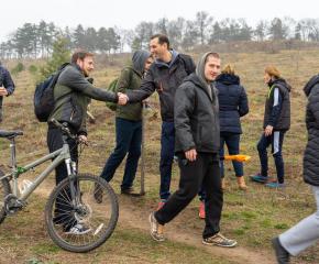 """Второто залесяване на Лесопарк """"Боровец"""" премина при голяма подкрепа от гражданите"""