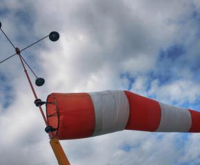 Вятърът в сливенско е около 70 километра в час