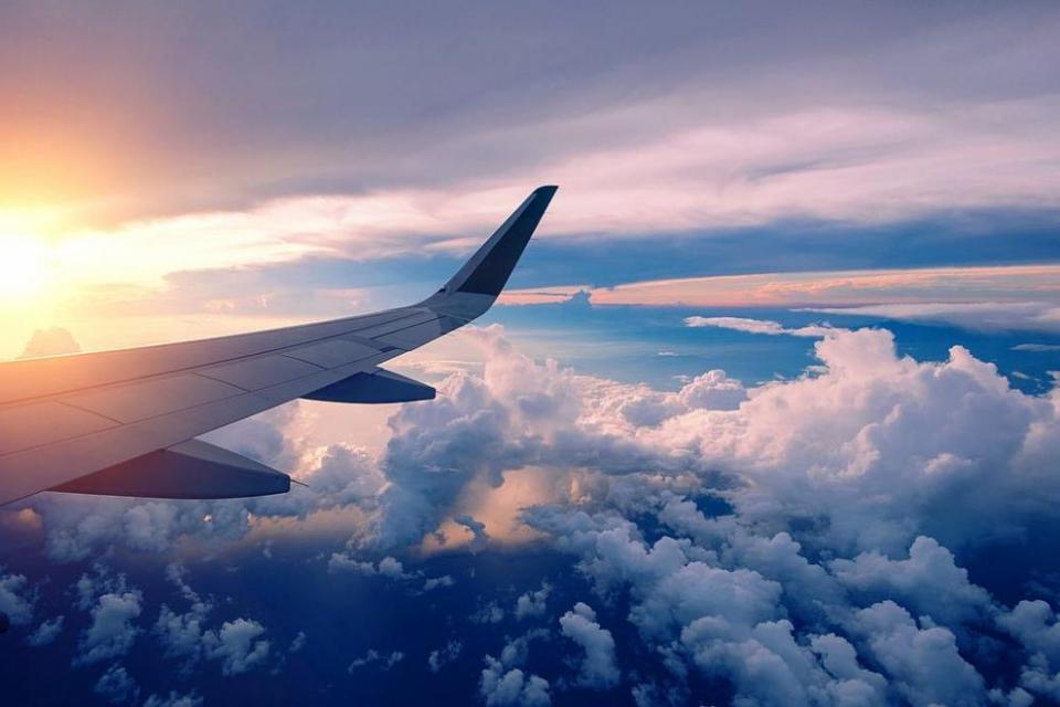 От днес се възобновяват редовните полети между Русия и България. Руските медии съобщават за засилен интерес към страната ни като туристическа дестинация,...