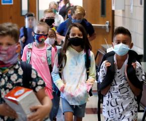 Възобновяват занятията в образователни школи