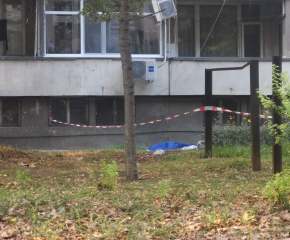 Възрастна жена скочи от седмия етаж в Ямбол