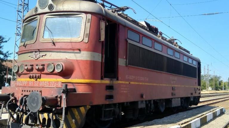 От днес поетапно се възстановява движението на всички отменени влакове по различните направления в страната след временно наложената мярка в края на септември...