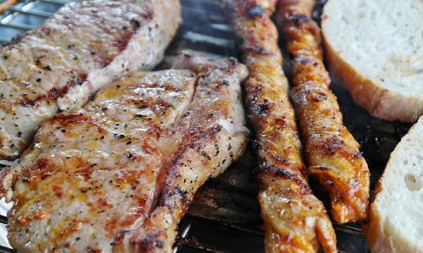 """фриканската чума по свинете (АЧС) намали потреблението на свинско месо у нас в последните месеци с около 30%. Това съобщи за """"Монитор"""" свиневъдът Вихрен..."""