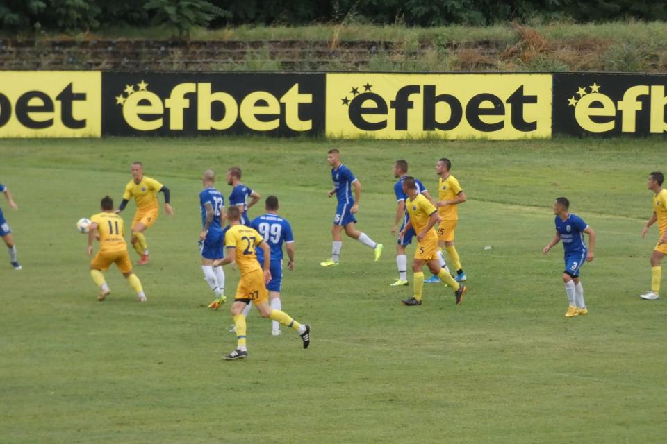 Успех и първи три точки ще преследват футболистите на Ямбол 1915 в първото си домакинство за сезон 2020/2021. Мачът е в събота 18:00 на градския стадион...