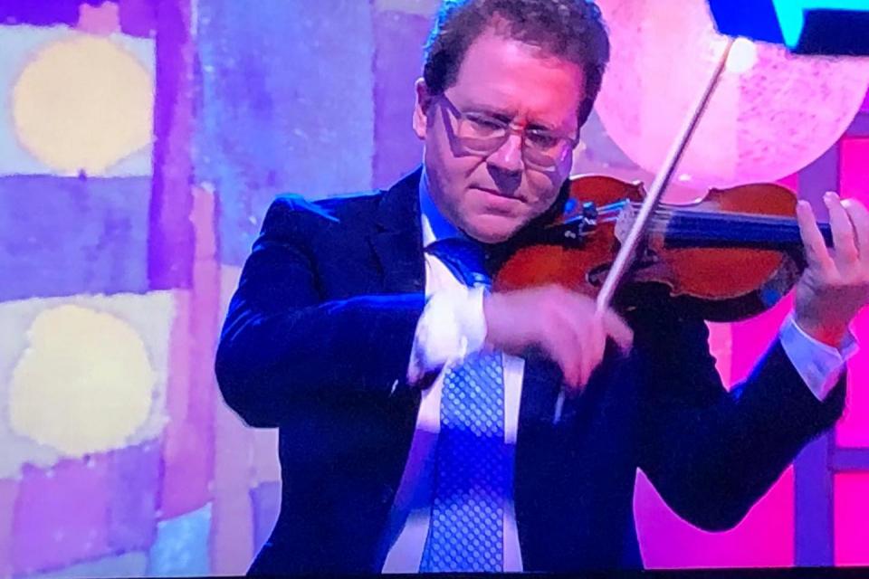 Ямбол е сред градовете, които музикантът Веско Ешкенази е избрал за юбилейното си турне, съобщиха организаторите. Музика, поезия и театър ще има в предстоящия...