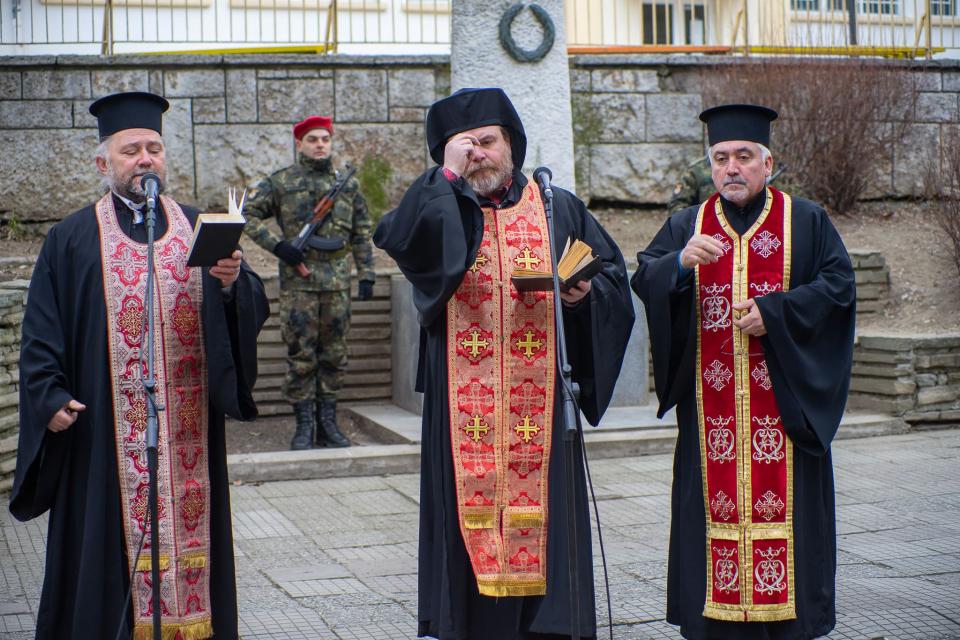 На 17 януари, неделя, Ямбол ще отбележи 143 години от Освобождението си от османско владичество. По традиция официалната церемония по отбелязване на историческата...
