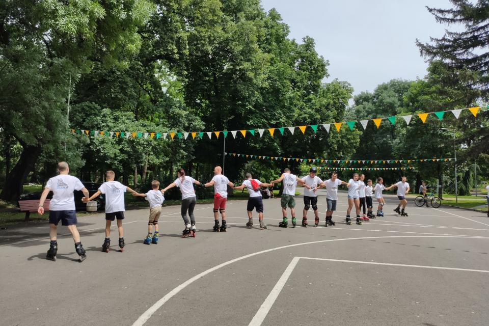 Над 50 състезатели от Ямбол, София, Пловдив, Пазарджик, Видин, Бургас участваха в традиционния Ролерфест в Градския парк на Ямбол, организиран от Община...
