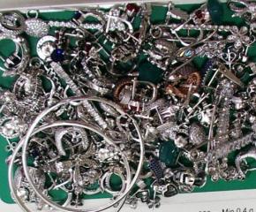 Ямболската полиция задържа мъж, откраднал сребърни накити на стойност от 700 лева