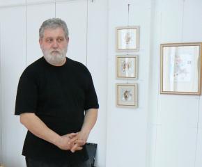 """Ямболски художник представя изложбата си """"Фрагменти"""" в Севлиево"""