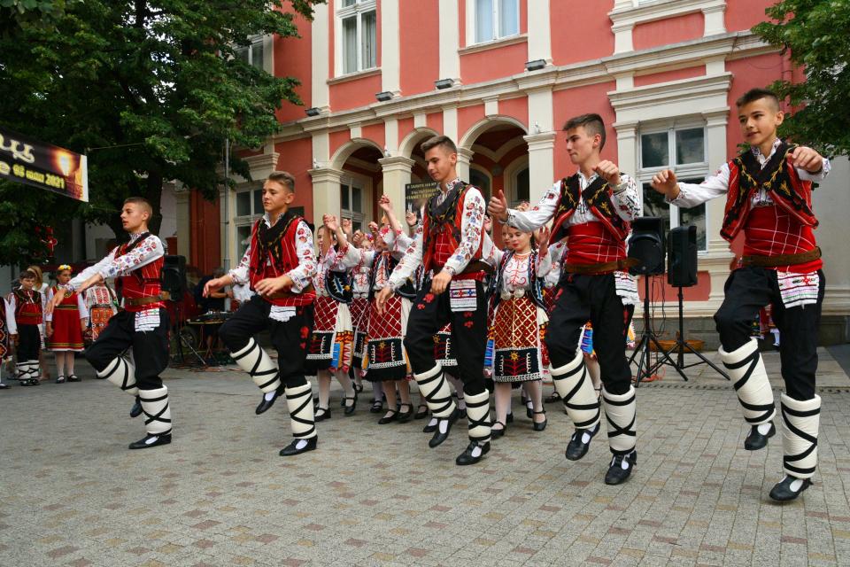 За поредна година в Сливен беше открита Европейска нощ на музеите. Сред гостите на официалната церемония, състояла се пред Регионален исторически музей...