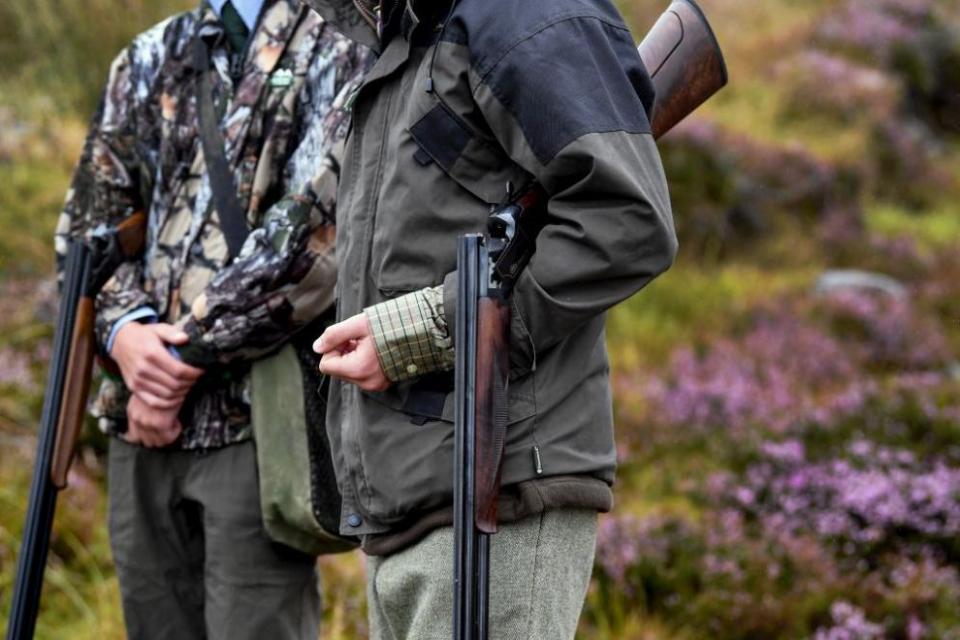 Ловът на дивеч ще бъде забранен в деня на изборите - 27 октомври. Това става ясно от заповед на директора на Агенцията по горите, изпратена до ловните...