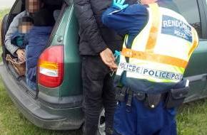Задържаха българин в Гърция за трафик на хора, издирват втори