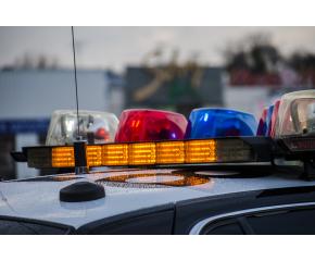 Задържаха двама за грабеж на магазин в Ямбол