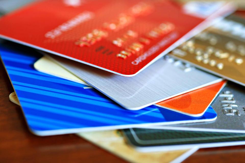 Криминалисти на РУ-Сливен са установили и задържали извършител на престъпление против парично - кредитната система. В началото на миналата седмица жена...