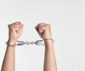 Задържаха мъж откраднал телевизор и лични документи от къща