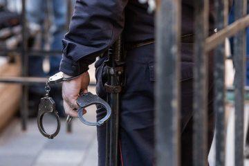 За броени часове криминалисти на РУ-Сливен задържаха извършител на взломна кражба от магазин в центъра на град Сливен. Сигналът е получен на 3 декември...