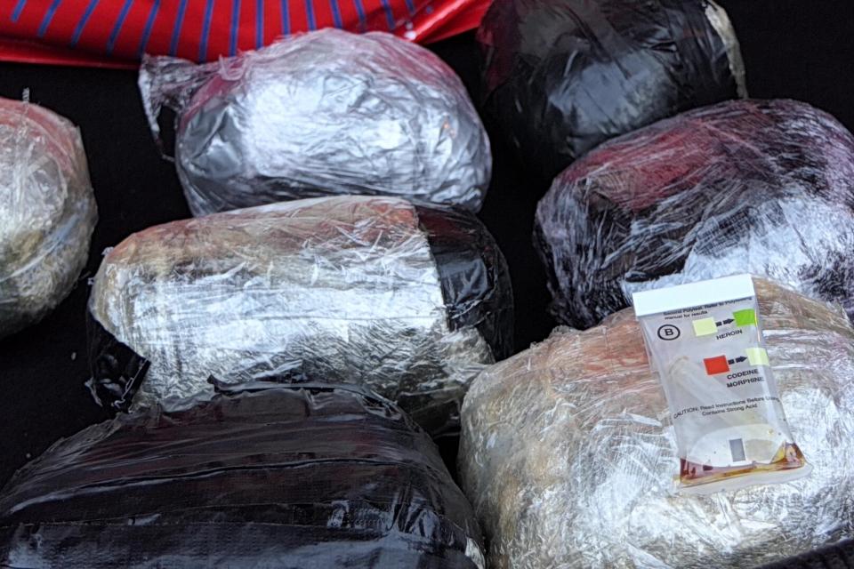 """Голямо количество хероин е заловено при спецоперация на ГДБОП. Това научи """"Хоризонт"""" от свои източници.Количеството е между 600 и 700 кг. Наркотикът е..."""