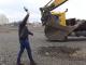 Започна изграждането на голям търговски център (видео)