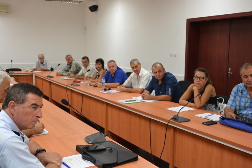 От днес започна и в област Ямбол изплащането на средствата от 300 лева на стопаните доброволно...
