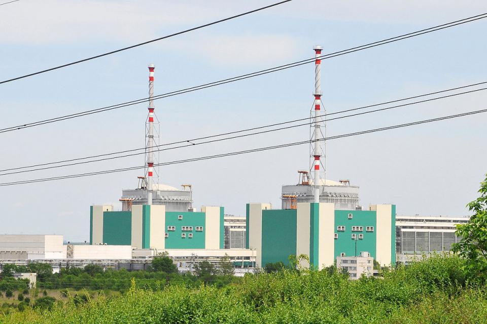 """В АЕЦ """"Козлодуй"""" днес започна плановият годишен ремонт на пети блок на атомната централа. Планира се годишният ремонт на пети блок да продължи до края..."""