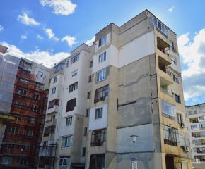 Започна санирането на още два жилищни блока в Сливен