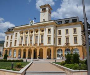Започва раздаването на пакети за бедни в област Сливен