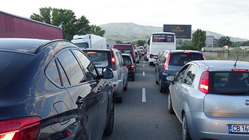 """Хиляди българи тръгват на отново на път за втората серия почивни дни през септември. """"Пътна полиция"""" ще следи за превишена скорост, употреба на алкохол..."""