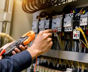 Заради очакваното поскъпване на тока, отчитаме сами електромерите си