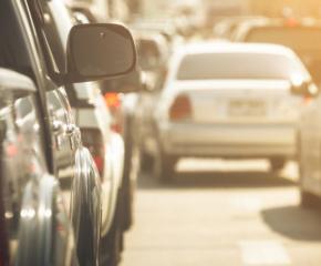 Засилен трафик по пътищата в страната след дългия уикенд