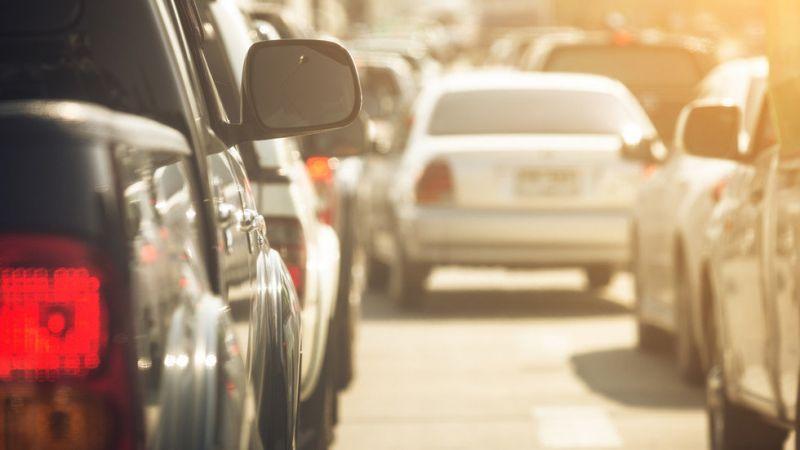 В последния почивен ден от дългия уикенд се очаква засилен трафик по пътищата в страната,...