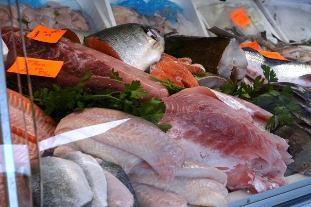 Засилени проверки на търговците на риба преди Никулден. От Агенцията по безопасност на храните ще инспектират водоеми за развъждане на жива риба, както...