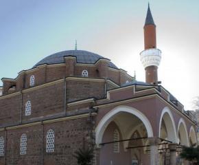 Затварят джамиите у нас за Рамазана
