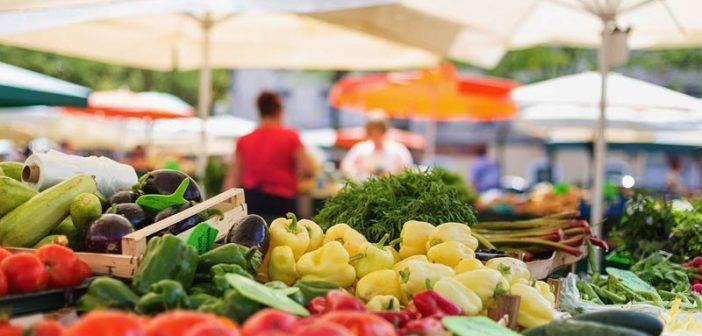 Със заповед на министъра на здравеопазването Кирил Ананиев се затварят всички кооперативни пазари и цветни борси днес, на големия празник Цветница. Те...