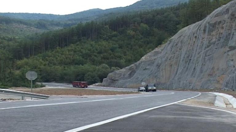 Проходът на Републиката ще бъде затворен за движение от 4 октомври до края на месеца. Причината е ремонт на 22 километра от северната му страна в област...