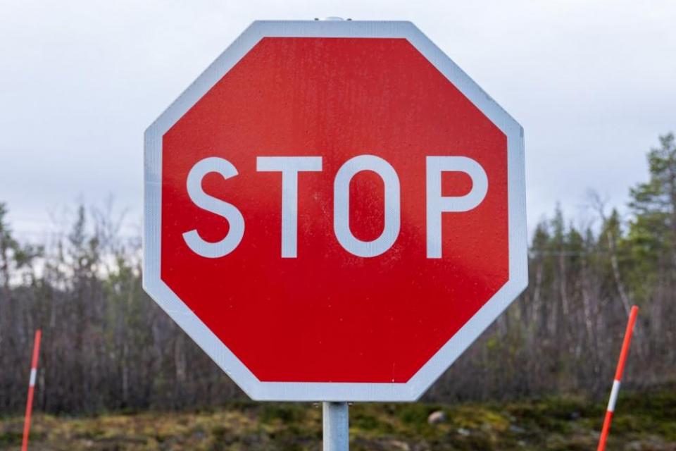 Затваря се за движение от 27-и до 29-и май участък от международния път за граничен пункт Лесово. Временната организация се въвежда при разклона за ямболските...