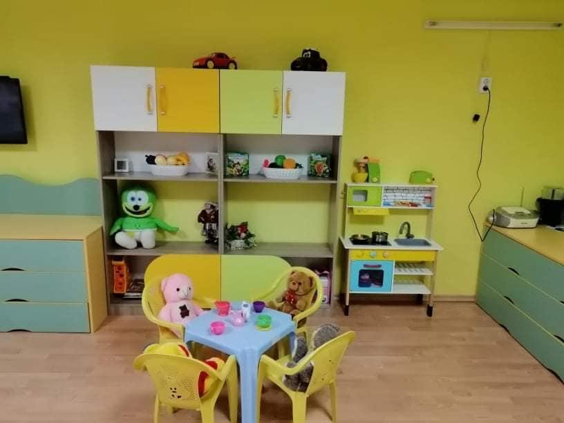 """Детска градина """"Еделвайс"""" е затворена за цялостна дезинфекция. Причината е, че две деца от различни групи са имали контакт с лица с потвърдени проби за..."""