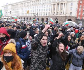 Заведенията спират протеста си срещу Covid мерките