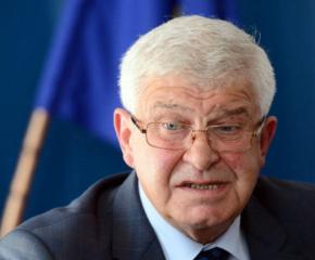 Здравният министър актуализира заповедта за противоепидемичните мерки