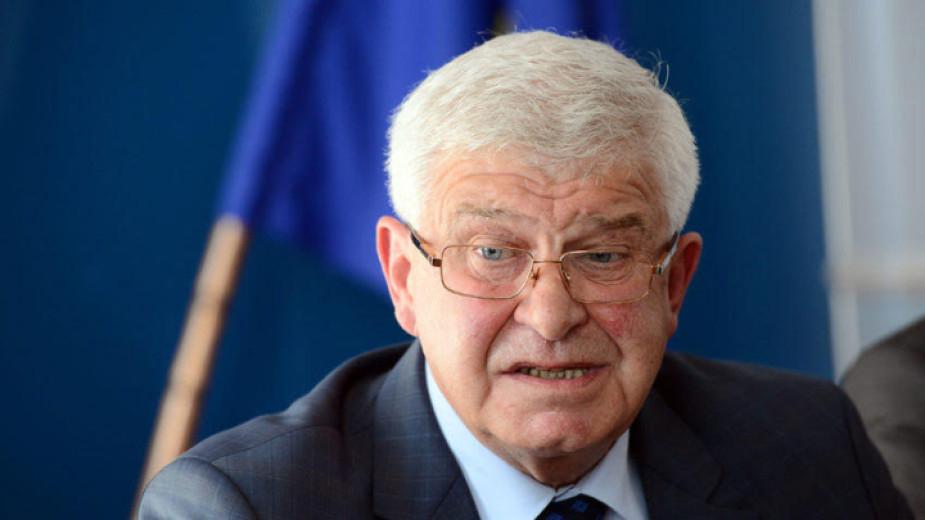Здравният министър Кирил Ананиев актуализиранаправи промени в текстовете насвоята заповед, с която се въвеждат противоепидемични мерки на територията...