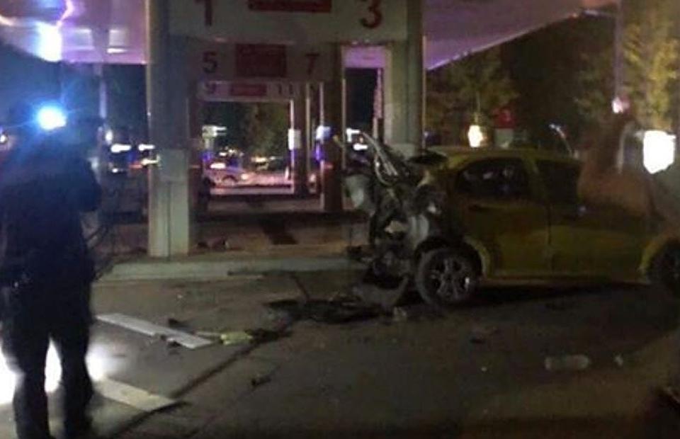 Жена загина, а друга е ранена след взрив на бензиностанция в Добрич. Инцидентът е станал снощи около 20 ч. Газовата бутилка на автомобил е гръмнала в момента...